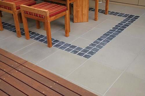 Taupe pavers with cobble inlay